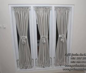 Gorden rumah minimalis untuk jendela kecil menggunakan gorden pita